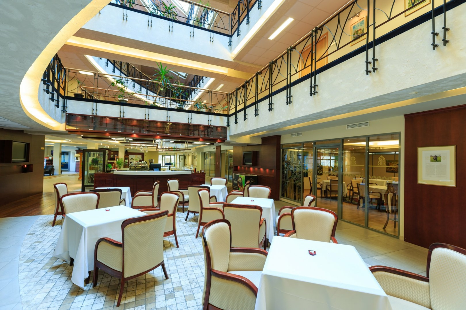 Hotel-restaurant \